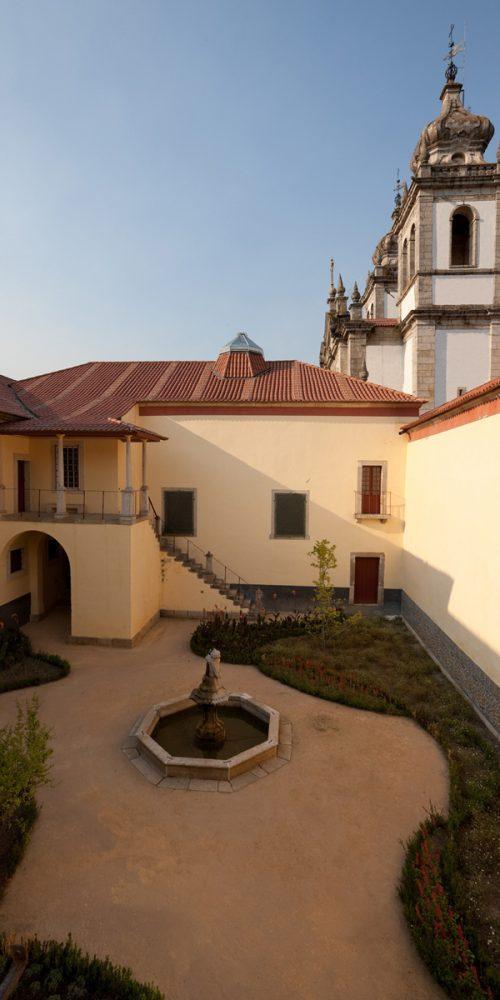 Mosteiro de São Martinho de Tibães 9